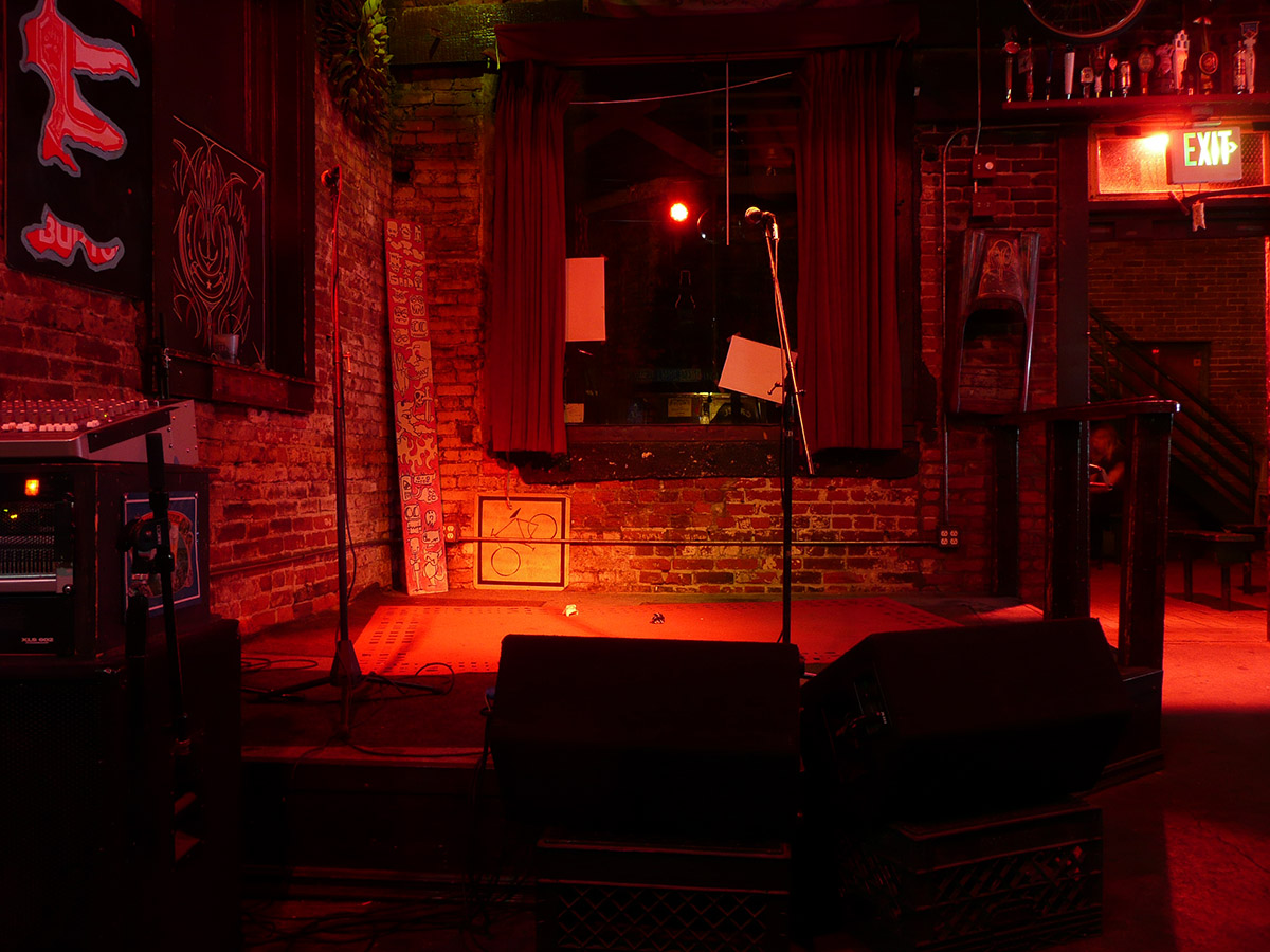 Old Towne Pub Stage
